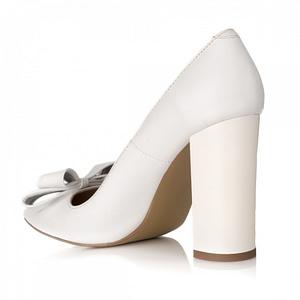 pantofi stiletto chic din piele naturala alb s21 1
