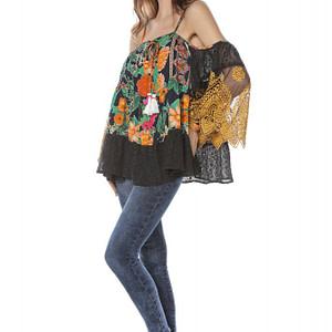 bluza neagra cu imprimeu multicolor roh br2040 8118 1
