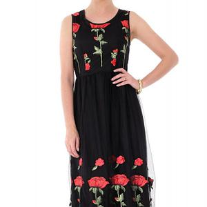 rochie neagra roh cu trandafiri dr3349 6999 1