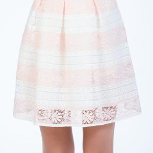 Fusta din dantela in dungi alb roz scaled