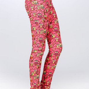 Pantaloni roz imprimeu bufnite scaled