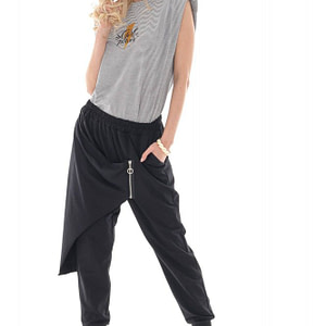relaxed-fit-soft-jersey-trousers-in-black-aimelia-tr434-9740-1