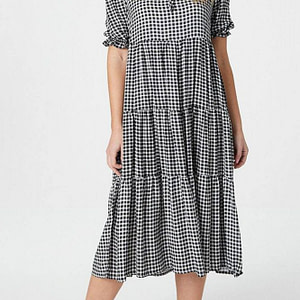 gingham-maxi-dress-aimelia-dr4284-in-black-and-white-with-tiers-9799-1