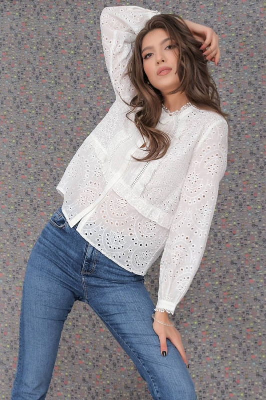 delicate cotton blouse aimelia br2418 off white with a lace trim 9786 3 scaled