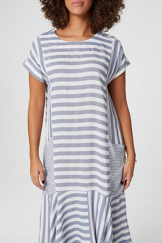 oversized-midi-dress-aimelia-dr4283-in-grey-and-white-stripes-and-large-pockets-9798-1